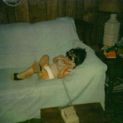 Childhood photo of Renee Holmes.
